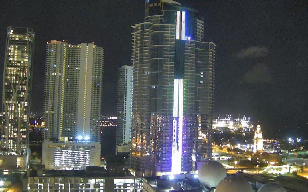 700-FOOT PARAMOUNT MIAMI WORLDCENTER LIGHTS UP AT NIGHT